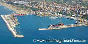 A Marina di Carrara corsi per rallisti, gruisti e carrellisti - Informazioni Marittime