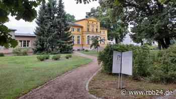 Schüle sagt Gerhart-Hauptmann-Museum Unterstützung zu - rbb24