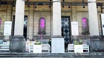 Autoworld propose une terrasse éphémère sous les Arches du Cinquantenaire - RTBF