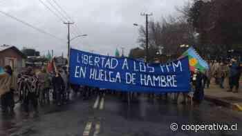 Comunidades de Angol marcharon en apoyo a internos mapuche en huelga de hambre - Cooperativa.cl
