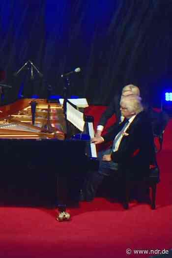 Frantz und Eschenbach geben Klavierkonzert - NDR.de