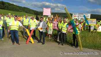 """Protest in Berching: """"Die Juraleitung braucht kein Mensch"""" - Nordbayern.de"""