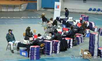 Becas TIC en Talcahuano; entregan más de mil computadores a estudiantes de séptimo básico - Canal 9 Bío Bío Televisión