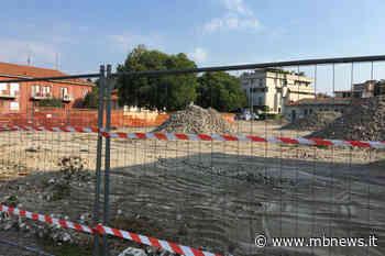 Villasanta, nel vivo i lavori per il rifacimento di piazza Europa. Abbattuti gli alberi sul perimetro dell'area - MBnews