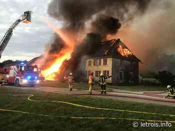 Les pompiers de Delle interviennent pour un incendie en Suisse - Le Trois