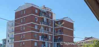 Cossato, totalmente scoperchiato il tetto di un condominio in zona Pichetta - La Provincia di Biella