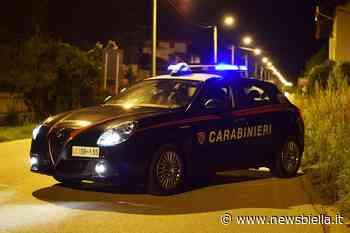 A petto nudo e barcollante in centro Cossato. 40enne Soccorso da Carabinieri e 118 - newsbiella.it