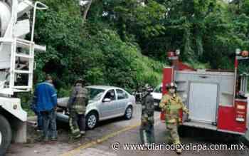 Se quema automóvil en la carretera Coatepec-La Estanzuela - Diario de Xalapa