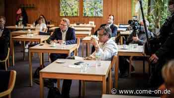 Coronavirus in Altena: Wahlkampf von Bürgermeister Andreas Hollstein als OB-Kandidat in Dortmund - come-on.de