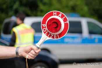 Haftbefehl: Polizei nimmt Jaguar-Fahrer bei Verkehrskontrolle in Kremmen fest - Märkische Onlinezeitung
