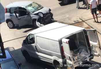 Terribile incidente ad Afragola: scontro violento tra due auto - Minformo