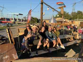 """Creatieve vriendengroep start met zomerbar in jachthaven: """"We willen na een zware periode de zomer wat opleuken'"""
