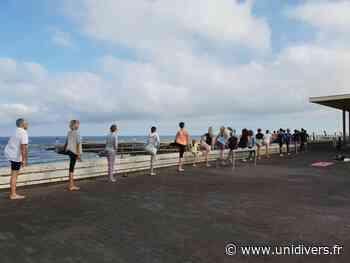 Yoga sur la terrasse du casino vendredi 24 juillet 2020 - Unidivers