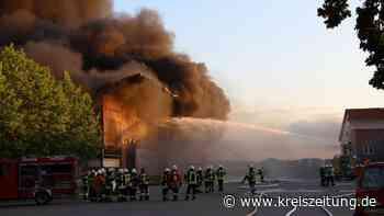 Kartoffelhalle in Dörpel brennt: Großeinsatz für Feuerwehr im Landkreis Diepholz - kreiszeitung.de