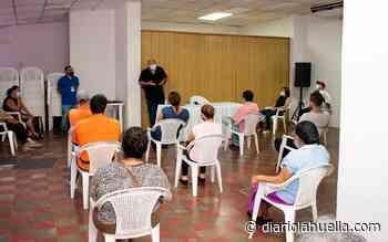 Alcalde de Sonzacate escucha opiniones de comerciantes antes de intervenir una calle en el municipio - Diario La Huella