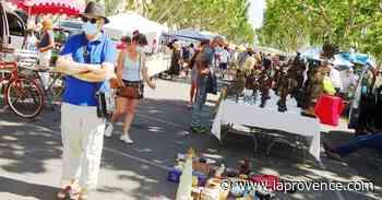 Carpentras : le masque à la brocante, objet de toutes les attentions - La Provence