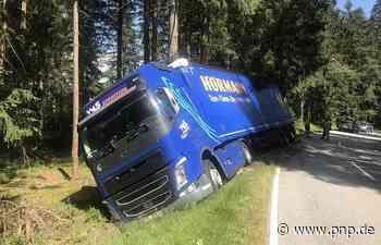 Umgekippter Lkw blockiert Straße im Landkreis Freyung-Grafenau - Passauer Neue Presse