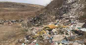 Sin control basureros clandestinos en Rosarito - FRONTERA.INFO