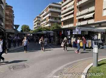 Marina di Carrara, riparte il mercato della domenica. Modifiche alla viabilità - La Voce Apuana