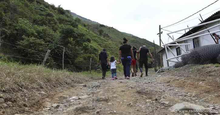 Inició el traslado del ETCR de Ituango a Mutatá en Antioquia - http://www.radionacional.co/