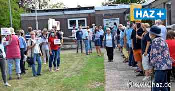 Ronnenberg: 150 Bürger bei Mahnwache gegen Bauschutt auf der Kalihalde - Hannoversche Allgemeine