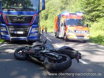 Unfall zwischen Motorrad und Sattelauflieger | Engelskirchen Nachrichten - Oberberg Nachrichten | Am Puls der Heimat.