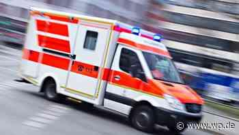 Wilnsdorf: Auto fährt in Gabelstaplerzinken, Fahrer verletzt - Westfalenpost