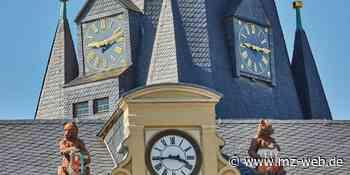 Wer kümmert sich um die alte Kirchturmruhr von St. Marien in Bernburg? Pfarrer Lewek sucht Experten - Mitteldeutsche Zeitung