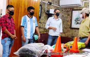 Entregan material deportivo a jóvenes de Tamazunchale - Noticias de San Luis Potosí - Quadratín San Luis
