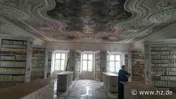 Schriften und Drucke: Diese verborgenen Schätze hütet die Bibliothek der Abtei Neresheim - Heidenheimer Zeitung