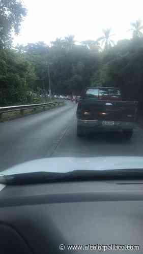 Quejas por tope en carretera Coatepec-Xico; provoca mucha carga vehicular, reprochan - alcalorpolitico