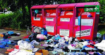 Rewe-Parkplatz in Stadthagen: Altkleider-Container werden zur Müllhalde - Schaumburger Nachrichten