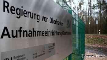 Regierung ordnet Quarantäne für neun Asylbewerber in Selb an - BR24