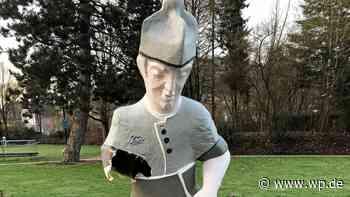 Olsberg: Hand abgerissen – Kneipp-Figur im Kurpark kaputt - Westfalenpost