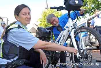 Polizei informierte am Alten Markt Hilden: Radfahren im Vordergrund - Hilden - Lokalkompass.de