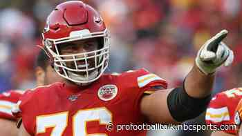 Andy Reid: Players and coaches support Laurent Duvernay-Tardif's decision