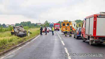 Unfall zwischen Eichenzell und Kerzell - PKW auf dem Dach gelandet - Osthessen News
