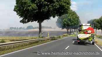 Acker brennt bei Helmstedt – B1 gesperrt - Helmstedter Nachrichten
