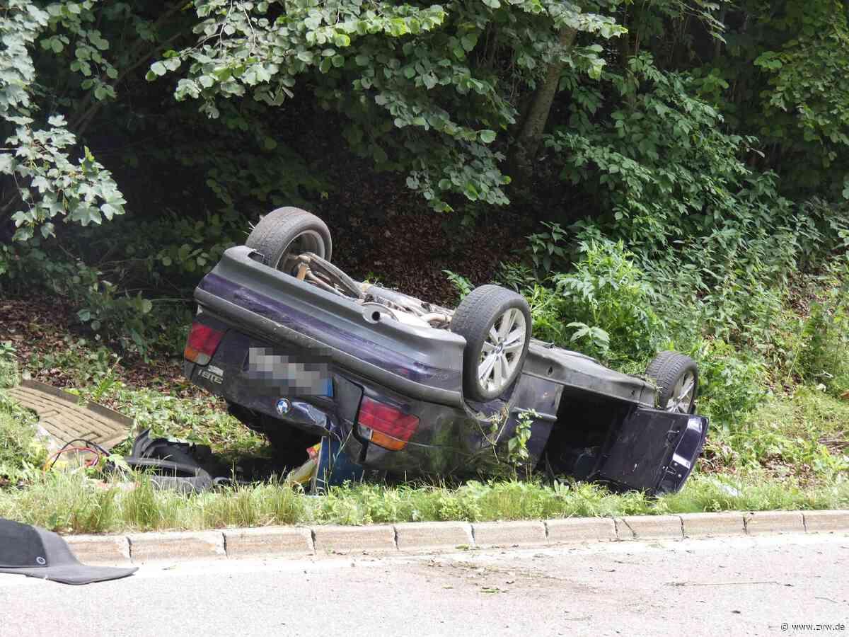 Grabenstetten: Unbekannter Autofahrer versursacht schweren Unfall und flüchtet - Stuttgart & Region - Zeitungsverlag Waiblingen