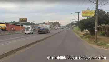 Colisão entre caminhão e motocicleta deixa dois feridos na BR-116 em Sapucaia do Sul - Mobilidade Porto Alegre