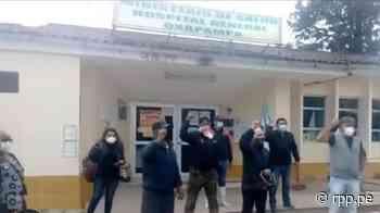 Manifestantes piden a Gobierno Regional no demoler hospital de Oxapampa por aumento de casos de la COVID-19 - RPP Noticias