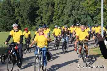 Tour de Tolérance: Radrundfahrt durch Erkner als Demo für Toleranz - Märkische Onlinezeitung