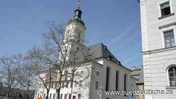 Ausstellung in der Salvatorkirche: Schnitzereien erwünscht - Süddeutsche Zeitung