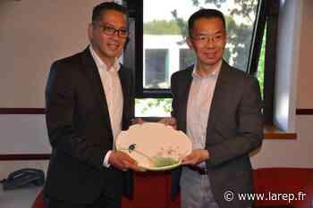 En visite à Gien, l'ambassadeur de Chine en France évoque de potentiels partenariats - La République du Centre