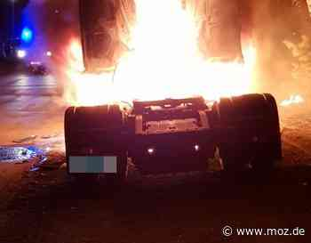 Brandstiftung: Brandserie in Eberswalde geht weiter - drei Fahrzeuge brennen - Märkische Onlinezeitung