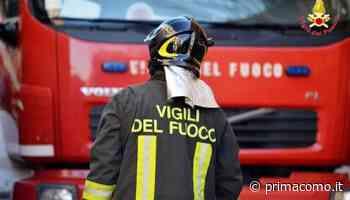 Auto in fiamme a Mariano Comense - Prima Como