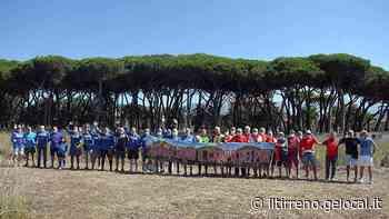 Marina di Carrara, a decine alla manifestazione per il campo dei Pini - Il Tirreno