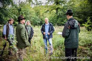 Lage des Waldes: Peter Beyer vor Ort im Angertal - Ratingen, Kreis Mettmann - Supertipp Online