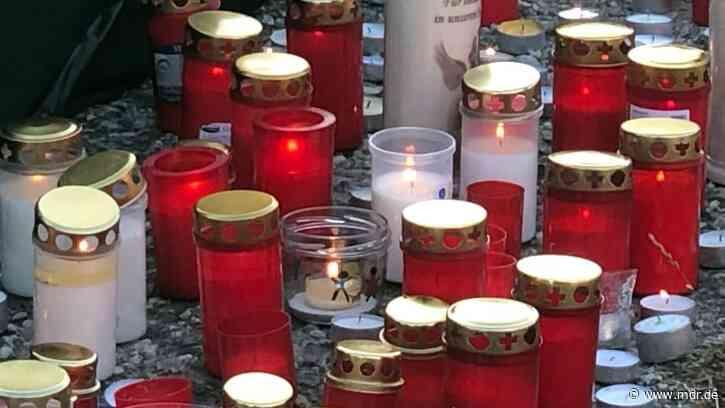 """""""Nicht wegschauen"""": Mahnwache für getöteten Jungen in Querfurt - MDR"""