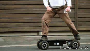 Waakirchen: Bei Sturz mit Elektro-Skateboard wird Schüler schwer verletzt - Merkur.de